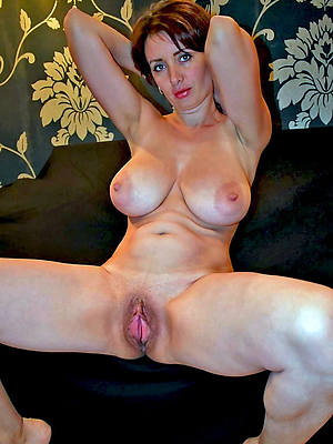 mature wife imported posing nude