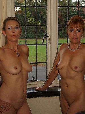 mature lesbian women love porn