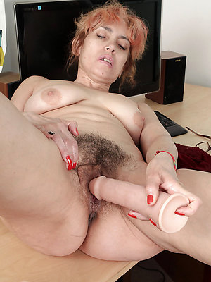 nasty amateur mature masturbation pics