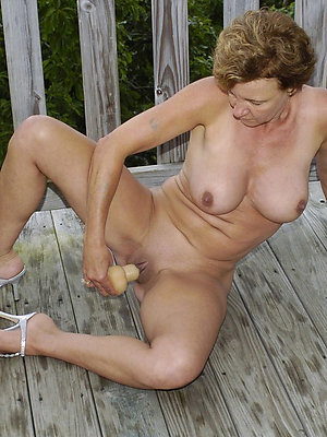 slutty mature milf masturbation