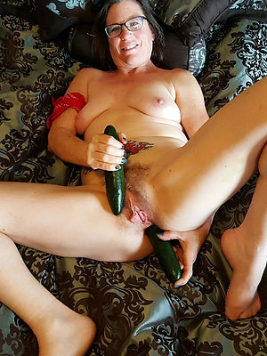 free best mature woman masturbates