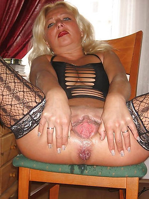 crazy mature woman masturbates