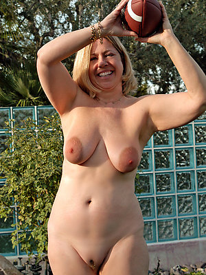whorish free nude milf pics