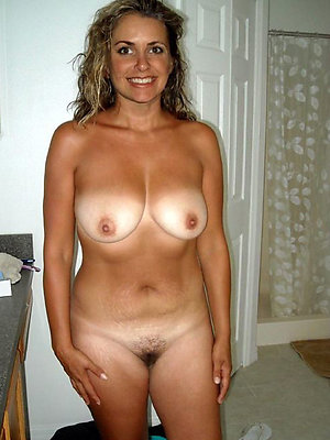 unreasonable grown up mom nude pics