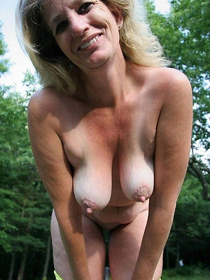 gorgeous grown up nude moms gallery