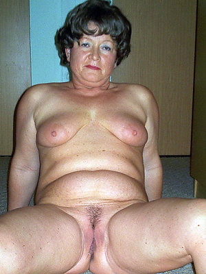 super-sexy mature moms xxx