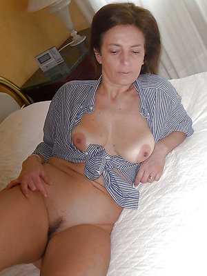 gorgeous mature big nipples pics