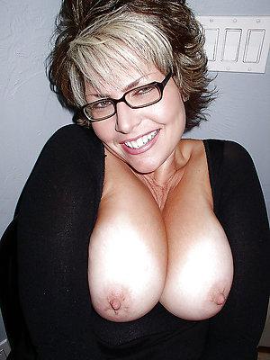 elegant chunky nipple matures