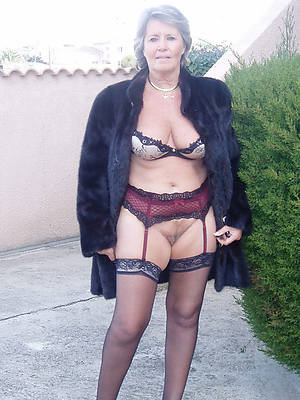 porn pics of mature wife outdoors