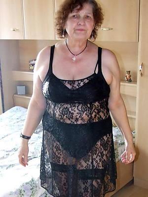 hotties mature pussy drop 60