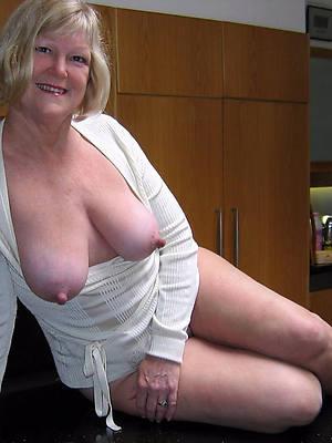 beauty mature puffy nipples nude pics
