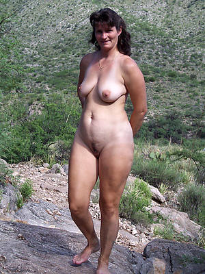naked mature hot mamas stripped