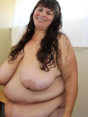 nice Bristols and fat mature pic