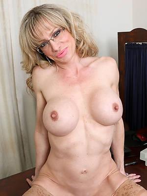 amateur mature 40 plus minimal porn pics