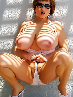 reality mature models nude pics