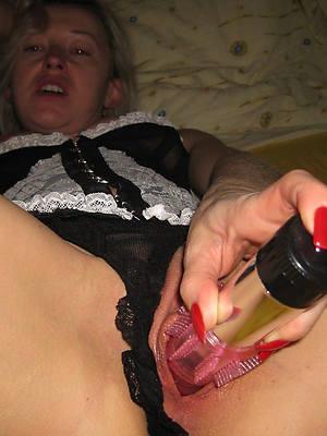 mature woman masturbating mobile porn pictures