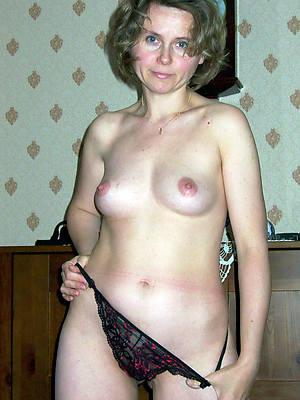free porn pics be incumbent on mature moms pussy