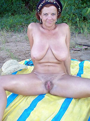 outdoor mature pussy naked porn pics