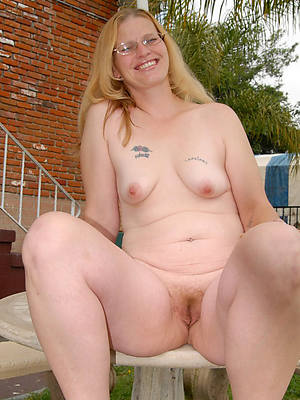 outdoor matures porn pic download