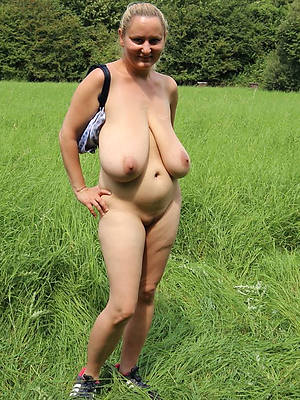 lovely mature saggy Bristols naked porn pics