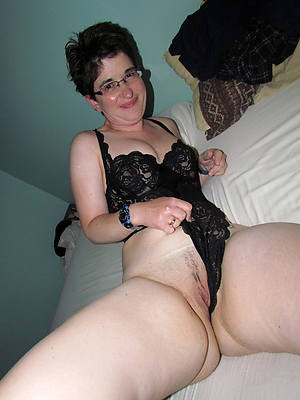 amateur mature mom to one's liking hd porn pics
