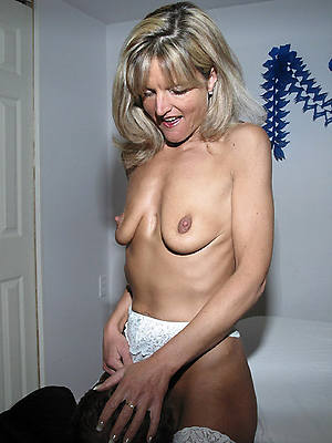 headman huge saggy mature nude pics