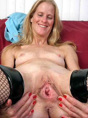mature vulvas free porno gallery