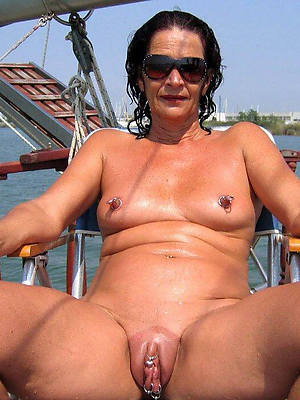 free amature mature vulva pictures