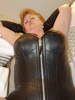naked pics of hot latex mature