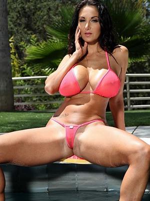 naked pics of matured amateur bikini