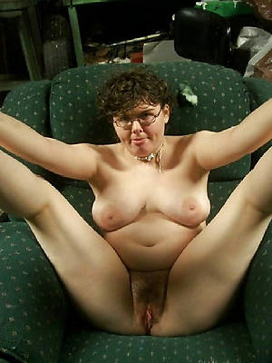 hotties mature with glasses nude pic