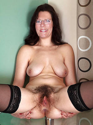 reality unshaved mature pussy