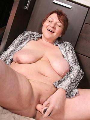 naked pics of mature bbw tits