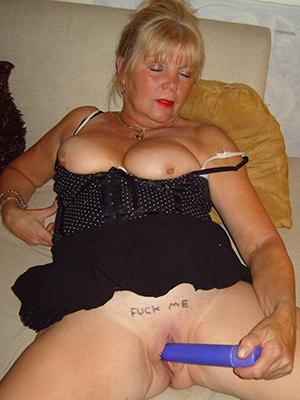 free porn pics be incumbent on amateur mature masturbating