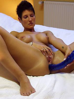 amateur grown-up masturbating amateur tits