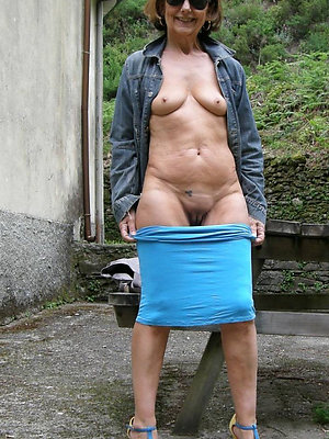 beautiful matures outdoors pics