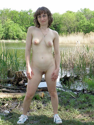 sexy hot women posing nude