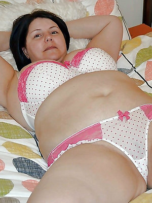 free pics for grown-up milf panties