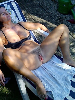 naked pics of hairy mature wife