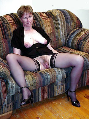 mature undressed housewives free porn mobile
