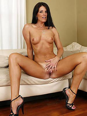 naked mature women in high heels pics