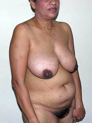 sexy naked indian mature squirearchy pics