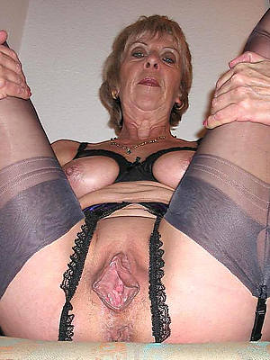 sweet nude mature grandma photos