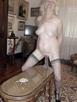 sweet nude mature slut pic