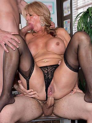 hot fucking mature bi threesome