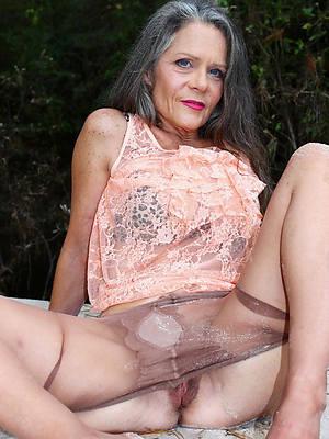 sweet nude hot mature ladies