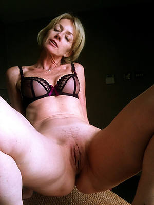 naked old ladies shows pussy pics
