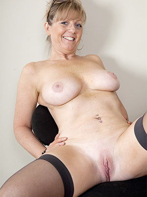 free amature mature tits pics