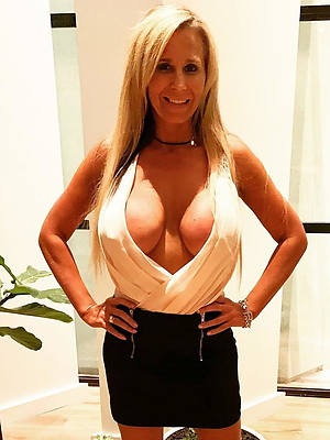 beautiful grown-up pussy porno pictures