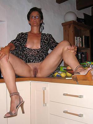 mature wife tits porno pics